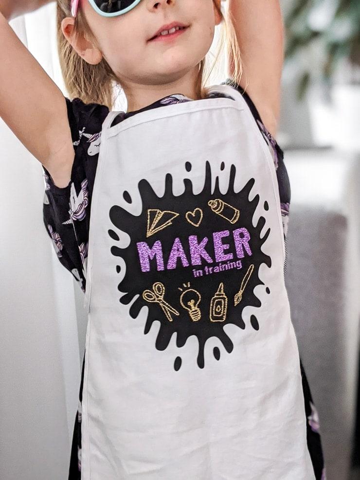 maker in training DIY kids apron made using a Cricut Explore Air 2