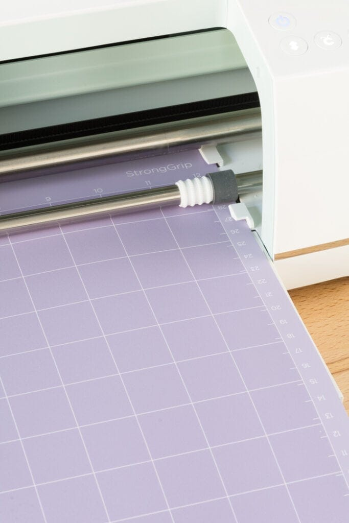 showing the Cricut Maker's star wheels rolled all the way to the right