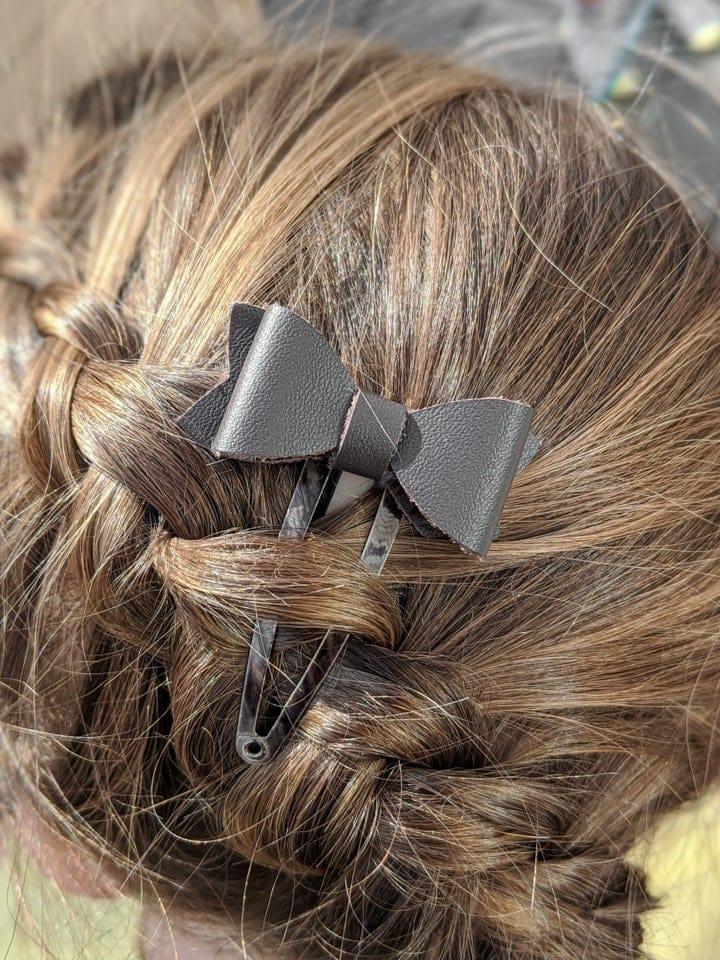 DIY leather hair bow made using the Cricut Maker