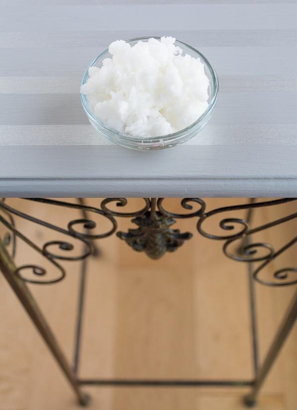 stress-relieving lavender bath soak