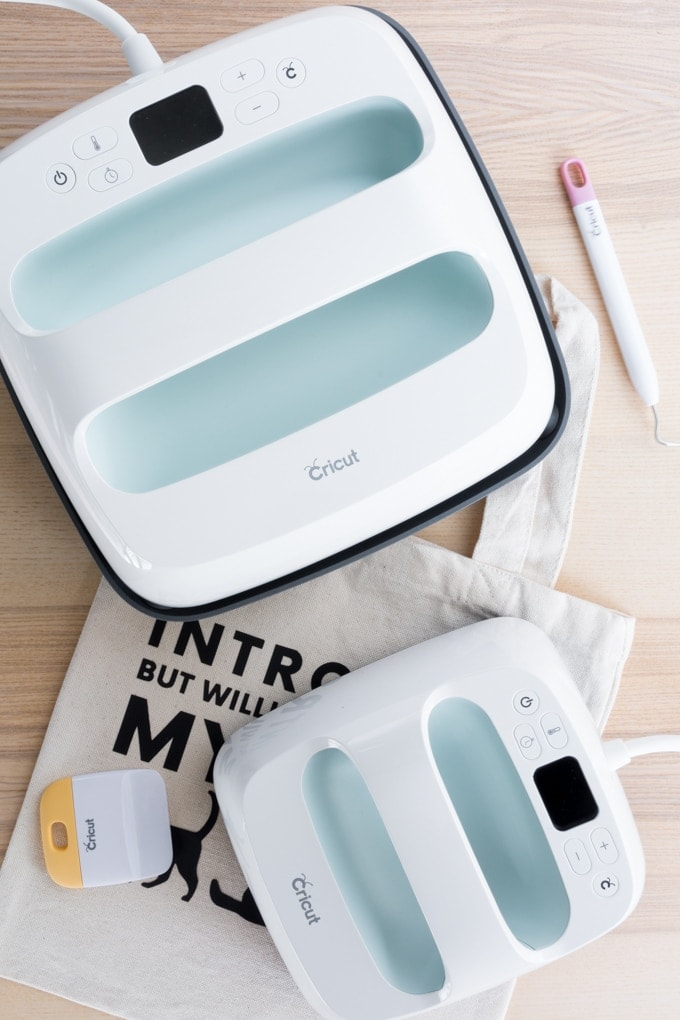 Cricut EasyPress 2 large and small