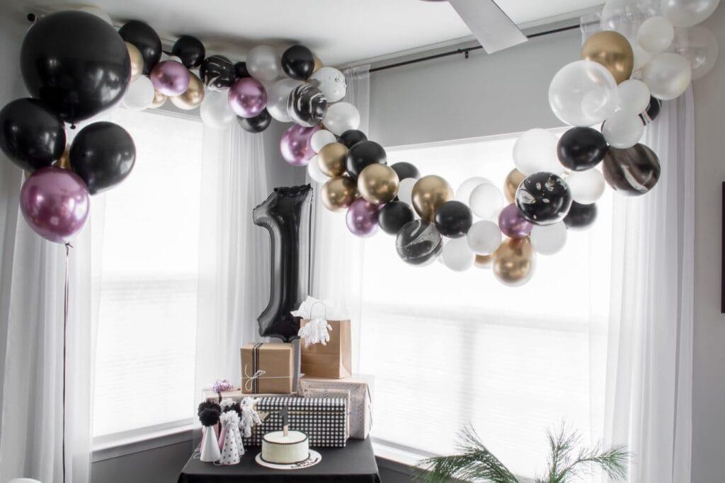 DIY balloon garland