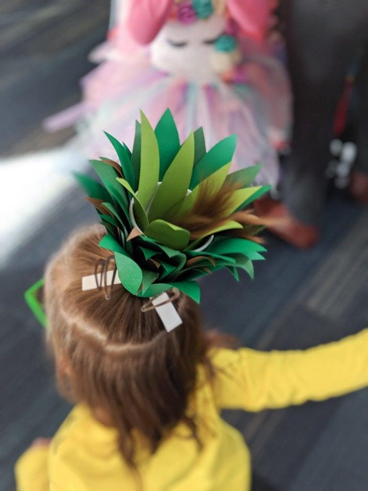 DIY pineapple costume head piece