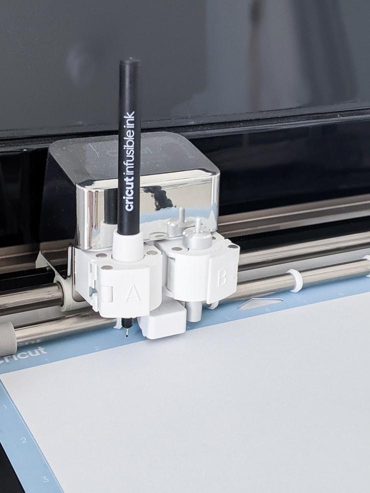 Cricut Infusible Ink pen in a Cricut Explore Air 2 machine