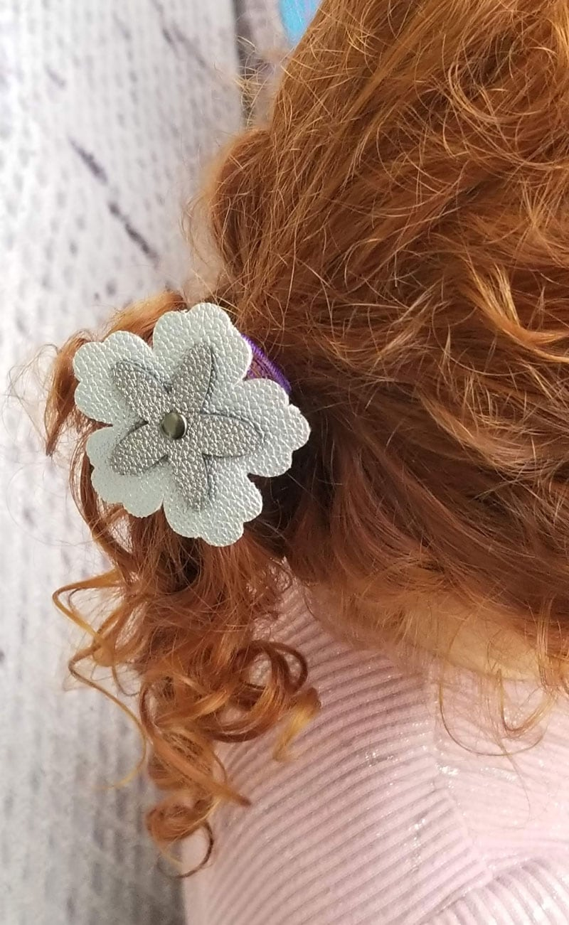 flowered hair tie made with a Cricut