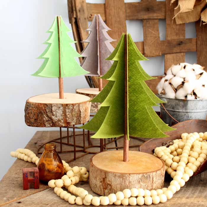 rustic felt Christmas trees made with felt and wood slices
