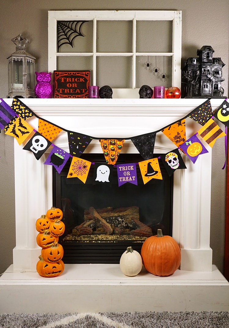 pennant style halloween banner made from felt